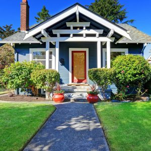 5 tips to add curb appeal when selling your home